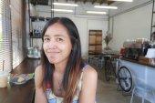 Asijské ženy úsměv v kavárně coffee