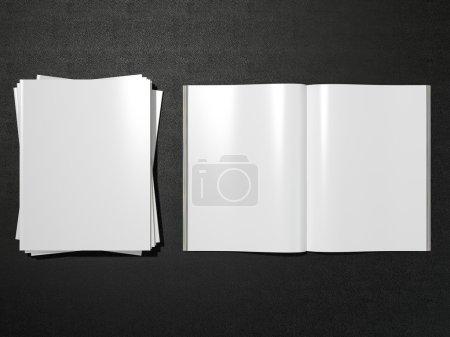 Photo pour Ouvrir magazine double page avec maquette de pages vierges Haute résolution sur cuir noir - image libre de droit