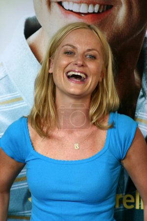 "Photo pour WESTWOOD, Californie USA - 11 AOÛT 2005 : L'actrice Amy Poehler à la première mondiale de ""The 40 Year Old Virgin"" au ArcLight Theatre à Hollywood . - image libre de droit"