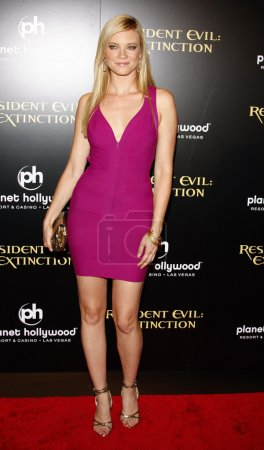 """Photo pour LAS VEGAS, NEVADA, ÉTATS-UNIS, 20 SEPTEMBRE 2007 : Amy Smart assiste à la première mondiale de """"Resident Evil : Extinction"""" au Planet Hollywood Resort & Casino - image libre de droit"""