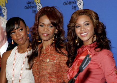 Kelly Rowland Michelle Williams and