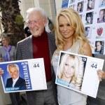 Постер, плакат: Pamela Anderson and Bob Barker