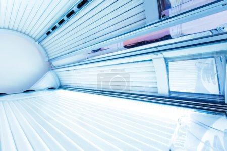 Photo pour Intérieur d'un solarium horizontal - image libre de droit