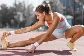 Sportovní žena v létě