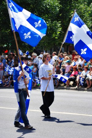 Photo pour MONTREAL CANADA 06- 24: Unidentified people celebrating Quebec's National Holiday (French: La F?te nationale du Quabec) is celebrated annually on June 24, St. John the Baptist Day on 06-24-07 Montreal - image libre de droit