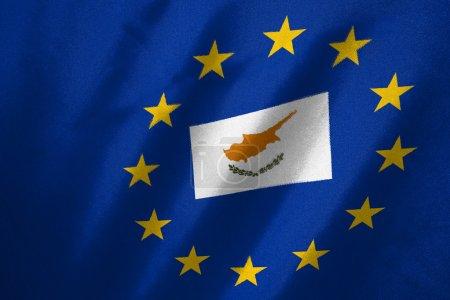 Photo pour Drapeau cyprus dans le drapeau de l'UE sur le tissu - image libre de droit