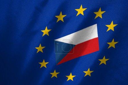 Photo pour Drapeau de la République tchèque dans le drapeau de l'UE sur le tissu - image libre de droit