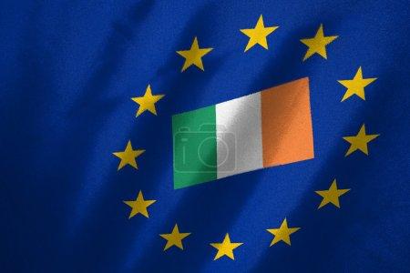 Photo pour Drapeau de l'île dans le drapeau de l'UE sur tissu - image libre de droit
