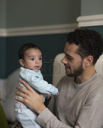 Acurrucarse con papá