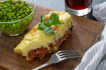 Shepherds pie with green peas