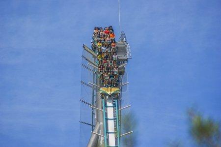 """Photo pour Parc d'attractions """"Port Aventura"""" Espagne. amusement """"Shambala """" - image libre de droit"""