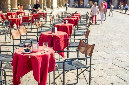 bar bistro - Bologna - Emilia Romagna - italian fashion - street scene
