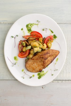 Chicken with vegetables: zucchini, mushrooms
