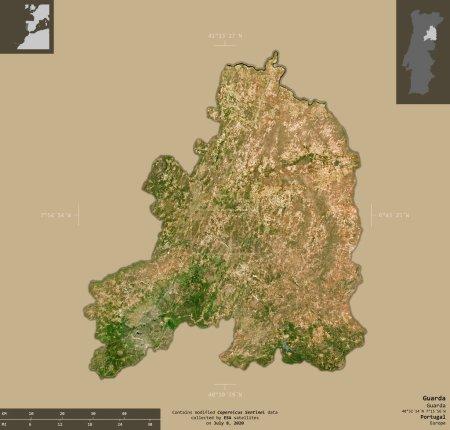 Photo pour Guarda, district du Portugal. Imagerie satellite Sentinel-2. Forme isolée sur fond solide avec des superpositions informatives. Contient des données modifiées de Copernicus Sentinel - image libre de droit
