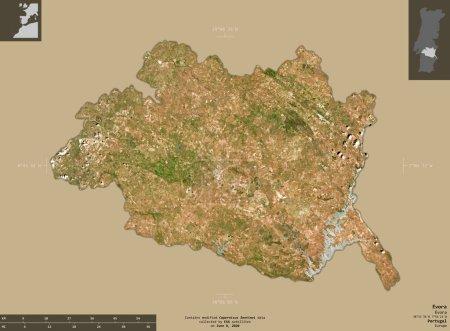 Photo pour Evora, district du Portugal. Imagerie satellite Sentinel-2. Forme isolée sur fond solide avec des superpositions informatives. Contient des données modifiées de Copernicus Sentinel - image libre de droit