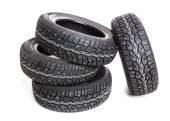 černé pneumatiky izolované