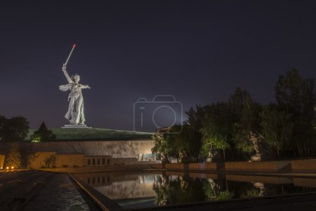The night monument the Motherland calls!