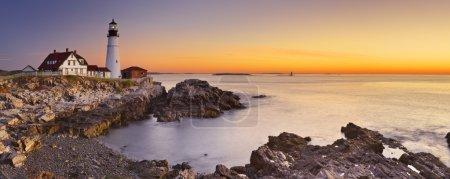Маяк Портленд-Хед, Мэн, США на восходе солнца
