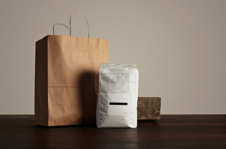 big hermetic pouch white with paper bag