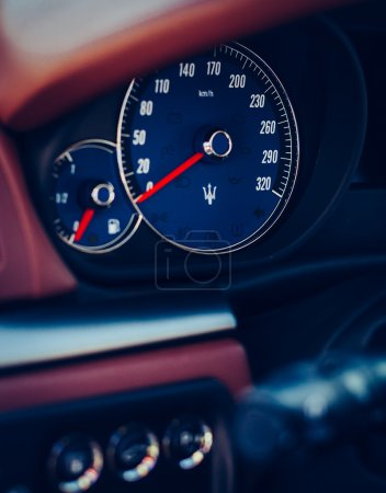 Maserati GranTurismo S cockpit