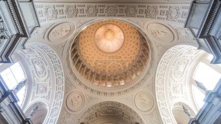 Dome in main rotunda, City Hall, San Francisco, California. USA.