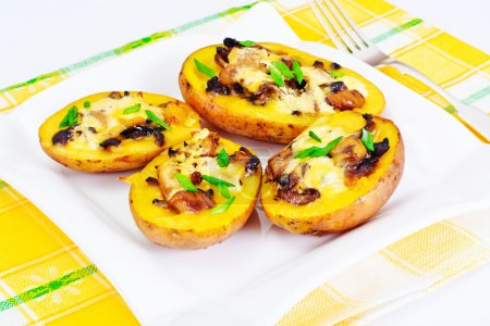Potatoes Stuffed with Mushrooms and Cheese