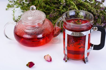 Red Rose Hibiscus Tea with Thyme