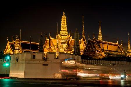 Wat pah keaw night scene with exposure light