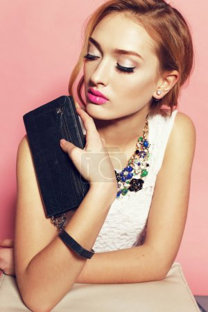 Fashion gorgeous woman with luxurious necklace