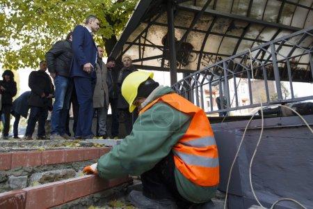 On November 2, Kyiv Mayor Vitali Klitschko inspected repair of a pump-room at the cross of Artema Street and Poltavska Street in the center of Kyiv.