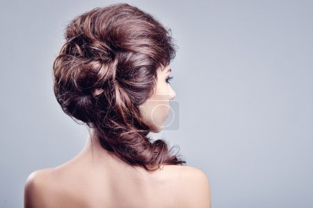 Photo pour Portrait de la belle femme. longs cheveux bruns - image libre de droit