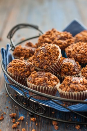 chocolate muffins with streusel