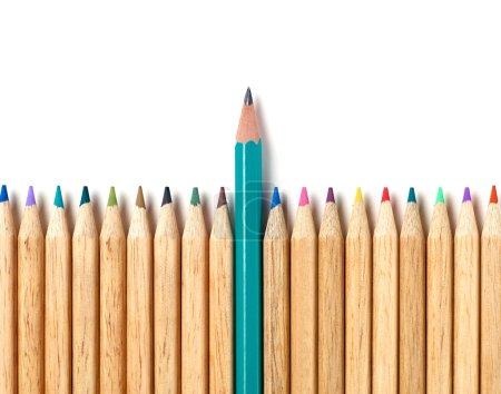 Photo pour Crayons sur fond blanc - image libre de droit