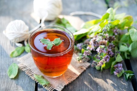 thé noir à la menthe