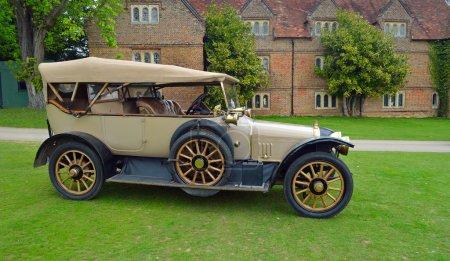 : Vintage 1914 Sunbeam Motor car