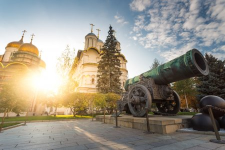 Tsar cannon and cathedrals