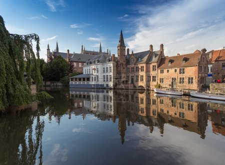 Picturesque canal at Bruges