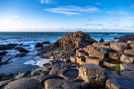 Géants du patrimoine de la chaussée en Irlande du Nord
