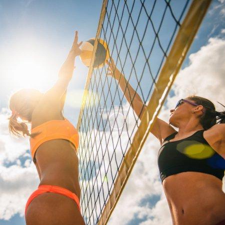 girls clashing at net