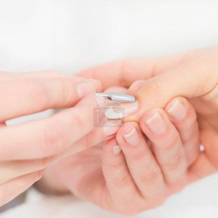 removing cuticle procedure
