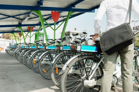 E-bike bicycle sharing system
