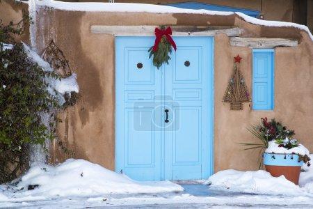 Photo pour Une porte d'entrée à Santa Fe, Nouveau-Mexique - image libre de droit