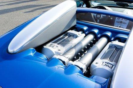 Двигатель Bugatti W16 по