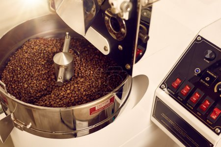 Coffee roasting appliance with control panel