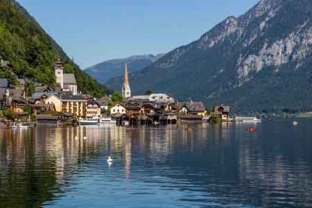 Foto de Vista del pueblo de Hallstatt en Alpes, Austria - Imagen libre de derechos