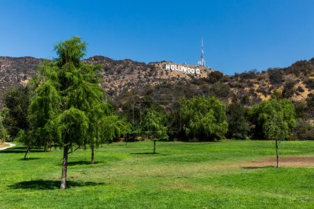 Views of the Lake Hollywood Park and the Hollywood sign