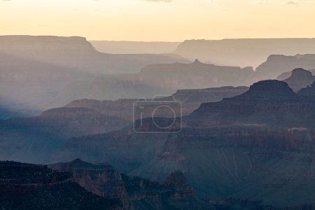 Photo pour Grand Canyon au coucher du soleil depuis Yaki Point, Arizona - image libre de droit