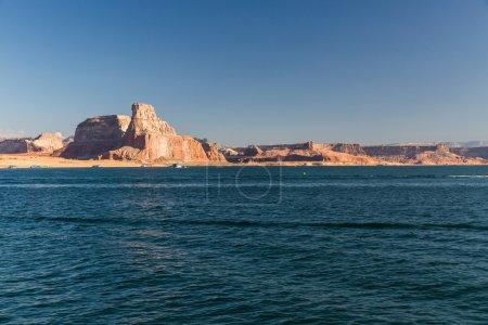 Photo pour Vue du Glen Canyon sur le lac Powell depuis le bateau, Utah - image libre de droit