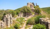 Zříceniny hradu Montfort