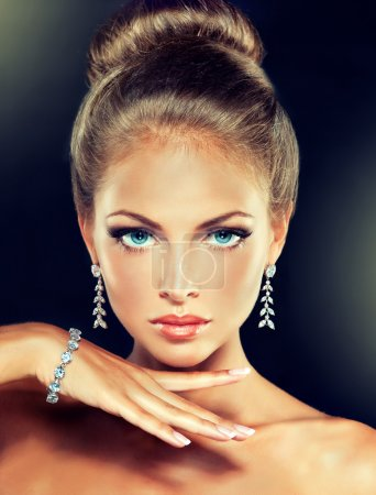 blond female model with  jewellery accessories
